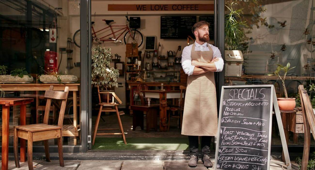 """VIC's grants welcomed but hospitality industry still """"on a knife's edge"""""""